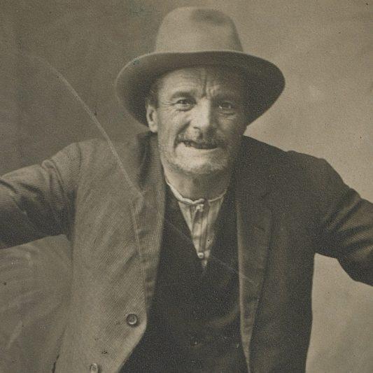 Josep Molera, El noi de Tona