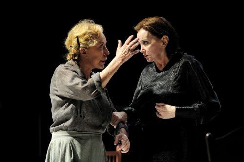Dia Mundial del Teatre, la poesia que es fa humana
