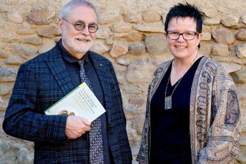 Una mirada al món cultural de la comarca, en la presentació del llibre El canonge Adanagell de Vic, amb els autors Jesús Alturo i Tània Alaix